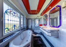 Josephine bathroom